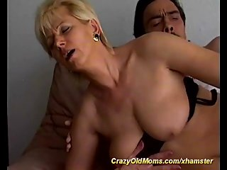 hot moms first deep anal sex