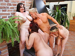Crazy sex party with 3..