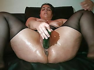 Pussy squirting (Courgette)..