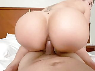 woman with super ass fucked..