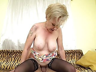 Mature hairy lady is horny..
