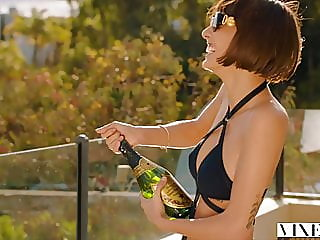 VIXEN Janice Griffith Is A..