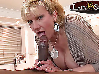 Mature Lady Sonia gets a..