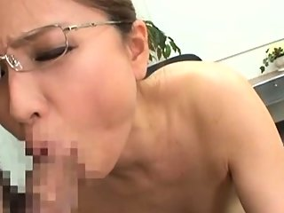 Sexy oriental chick goes for..