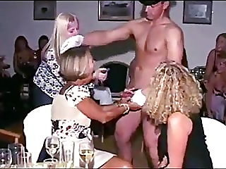 UK amateurs suck strippers